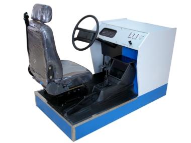 简易汽车驾驶模拟机器