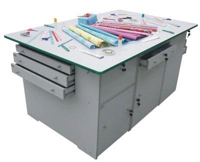 剪刀、尺子、美工刀、订书机、订书